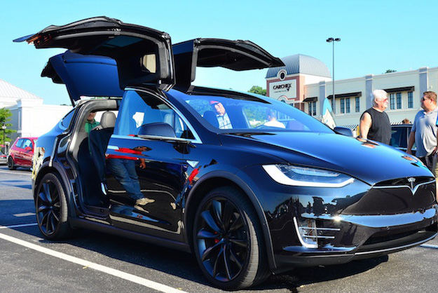 comment fonctionne l 39 autopilot de tesla le blog des tendances. Black Bedroom Furniture Sets. Home Design Ideas