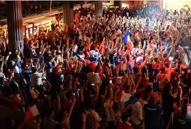 Ambiente das noites do Clube France