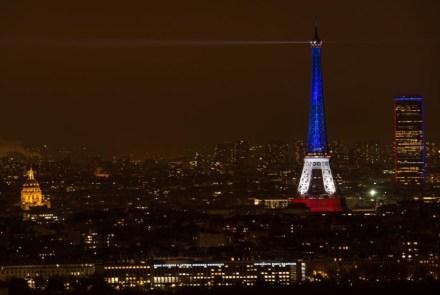 A Torre Eiffel solidaria