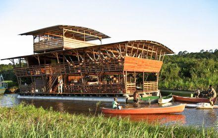 Eco-lodge da JAL nos pântanos de Kaw