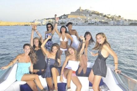 Ibiza, Mykonos, Monte-Carlo ou Saint-Tropez, destinos preferidos para festas de amigas