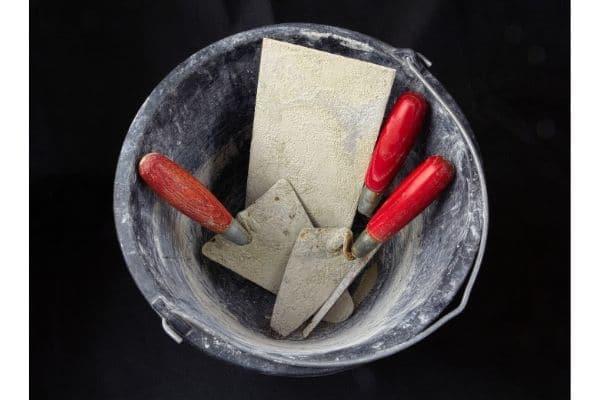outils indispensables pour l'artisan en maçonnerie