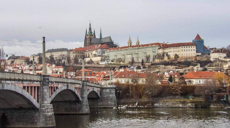 Visiter Prague : les 8 lieux incontournables à voir - Le blog du hérisson