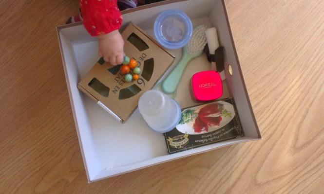 panier-tresor-montessori-activite-bebe