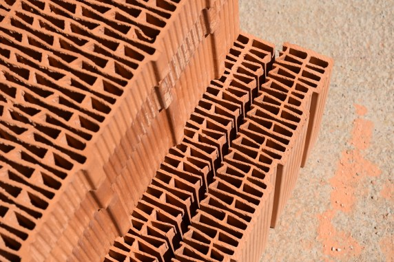brick-2259511_1920