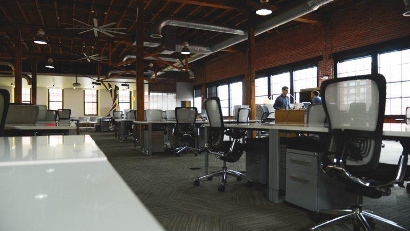 Les administrations et leurs espaces de travail face au défi de l'ubiquité
