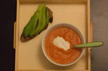 Soupe de tomates à la ricota