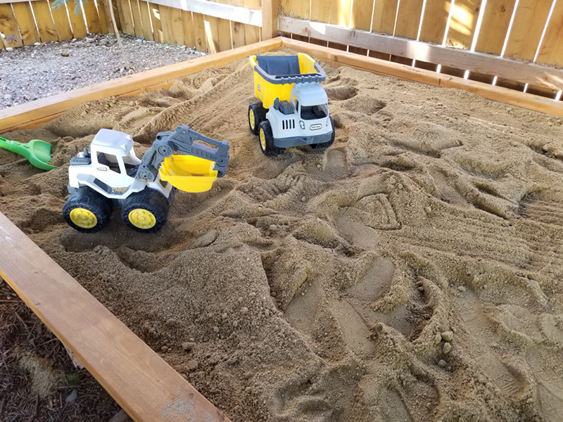DIY Wood Sandbox • Le Bois Home
