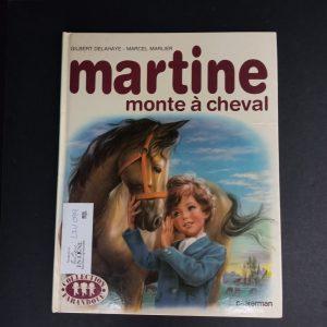 Martine monte à cheval