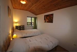 Chambre enfants avec 2 lits simples