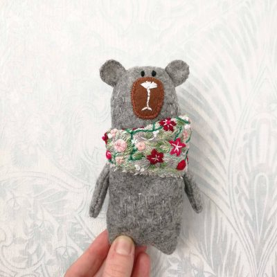 DIY FELT BEAR TOY