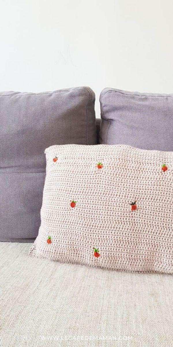 easy crochet pumpkin pillow case