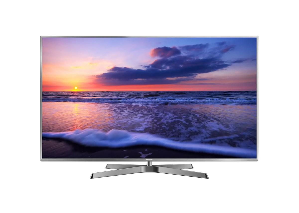 Téléviseur Panasonic sur fond blanc