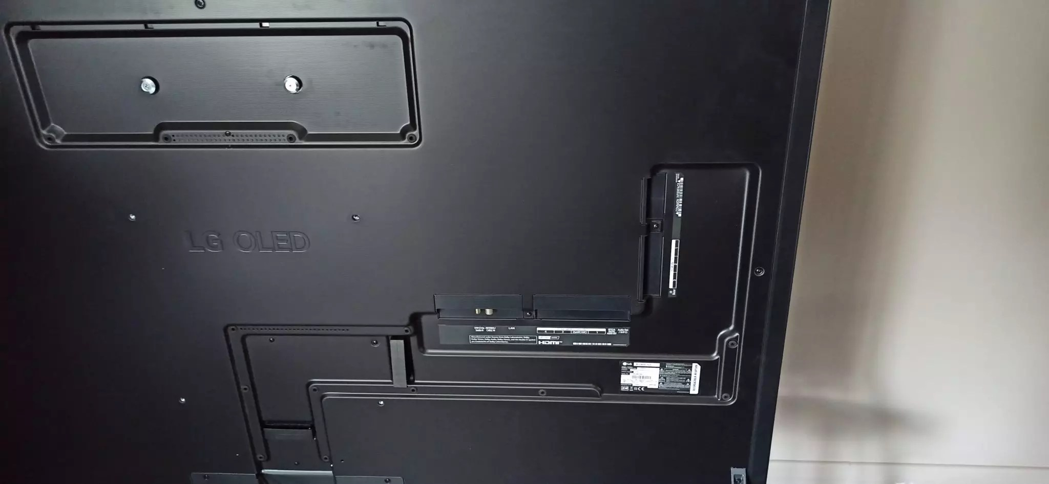 LG 65G1 arriere