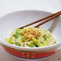 Nouilles sautés aux légumes vert et beurre de cacahuète