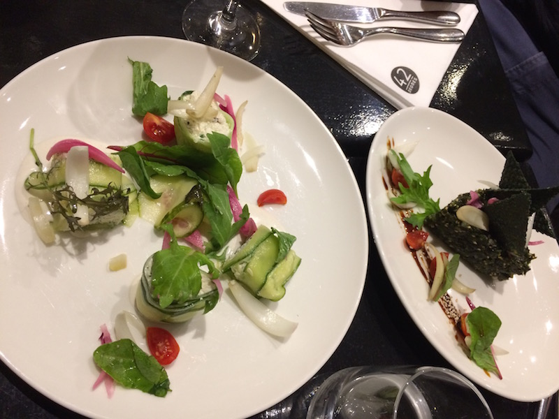 le-carnet-danne-so-restaurant-vegan-cru-paris-entree2