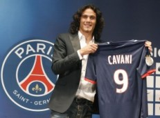 Paris Saint Germain, conferenza di Edison Cavani