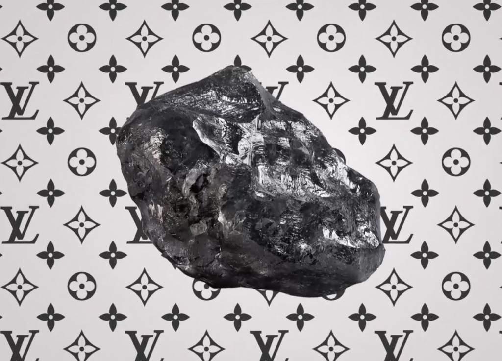 A poco de adquirirlo, Louis Vuitton comunicó que pronto pondrá a la venta su colección de piezas obtenidas de este gran diamante.