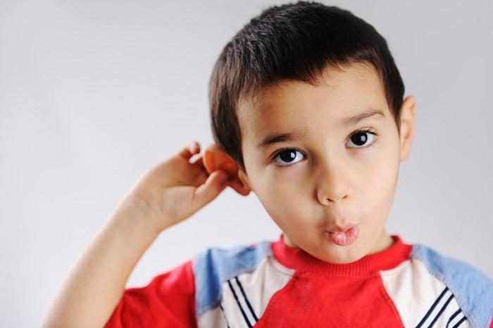 Красная ушная раковина у ребенка