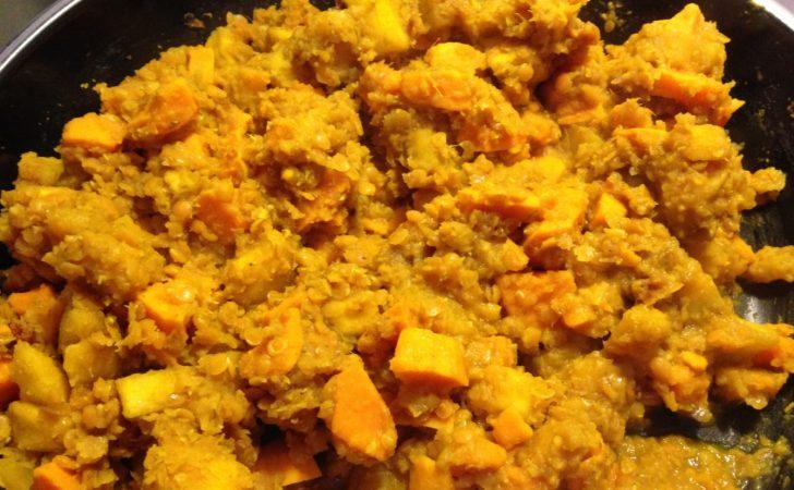 Linsen Süßkartoffel Curry mit Kochbananen