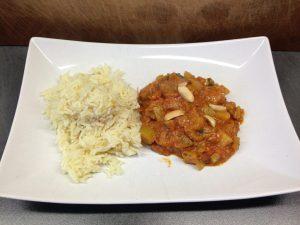 Curry mit Fenchel, Tomaten, Erdnuss und Koriander