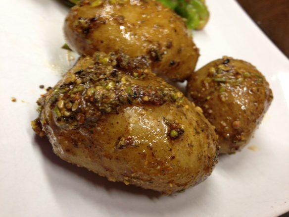 Kartoffeln mit Dukkah Öl
