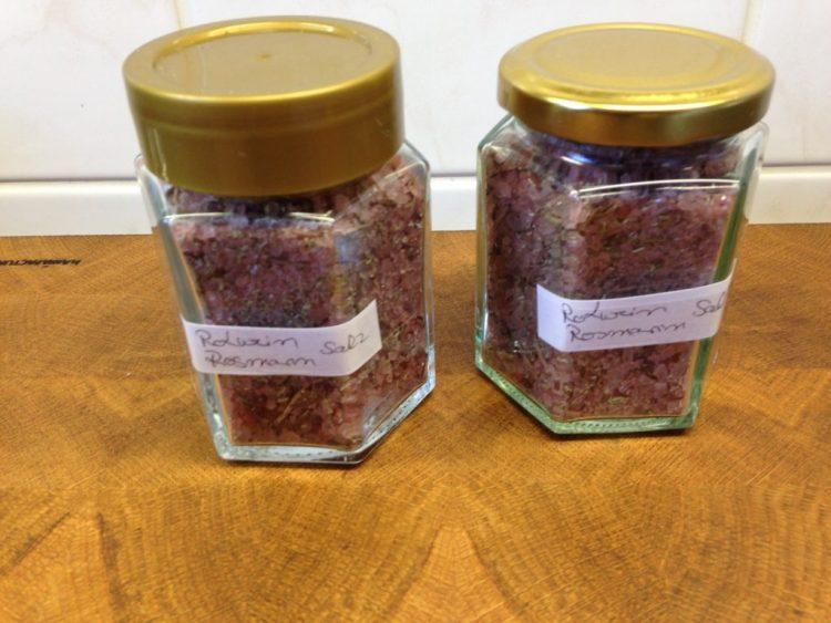 Rotwein Rosmarin Salz