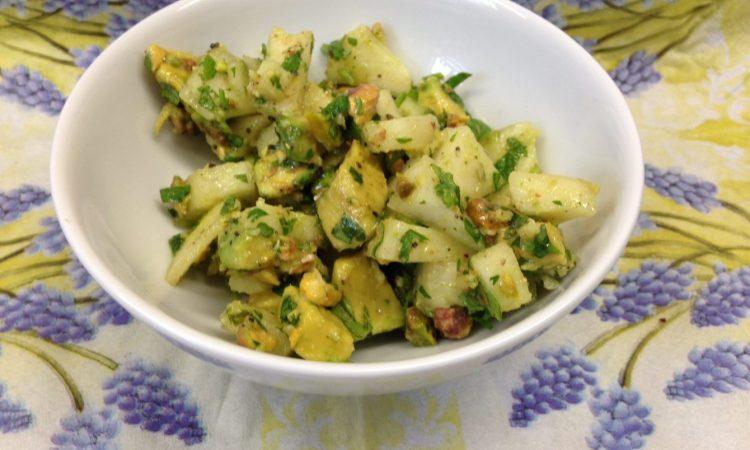 Avocado Dip mit Pistazien, Birne und Minze