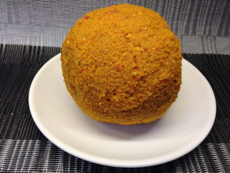 Veganer Käse: Cheddar Cheese Ball