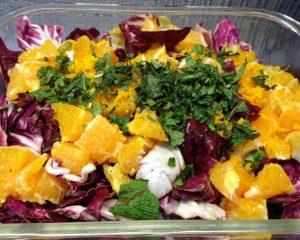 Chicorée Salat mit Radicchio, Orangen und Ingwer Senf Dressing