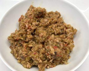 Sizilianisches Thunfisch Pesto mit Kapern, Oliven und Peperocino