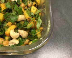 Bulgur Mango Salat mit Curry und Cashewkernen
