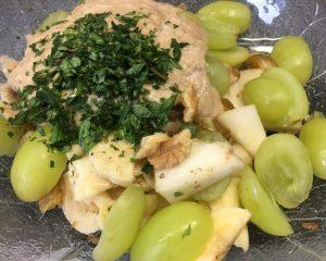 Birnen Walnuss Salat mit Trauben und Walnuss Bananen Zimt Creme