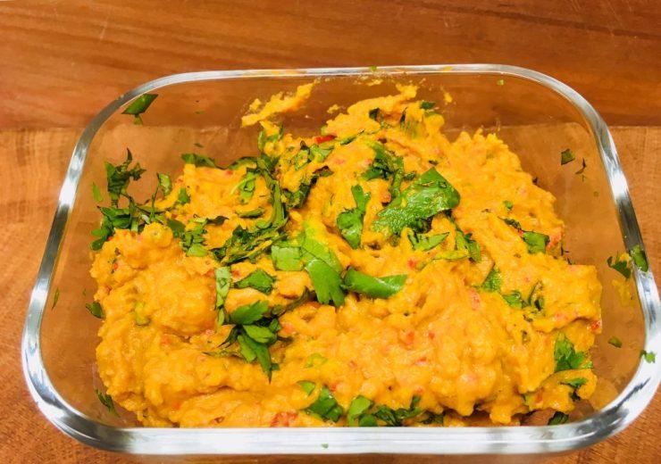 Süßkartoffel Dip mit Tahini, Paprika und Curry