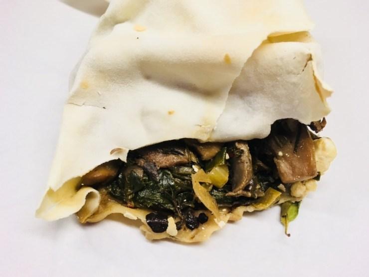 Blätterteig Taschen mit Pilzen, Spinat und Ziegenkäse