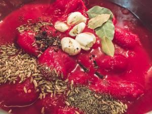 Zutaten für klare Tomatensuppe (Tomatenessenz)