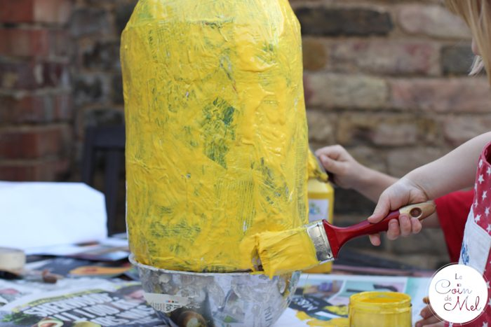 How to Make a Minion Piñata (Despicable Me) - Painting again