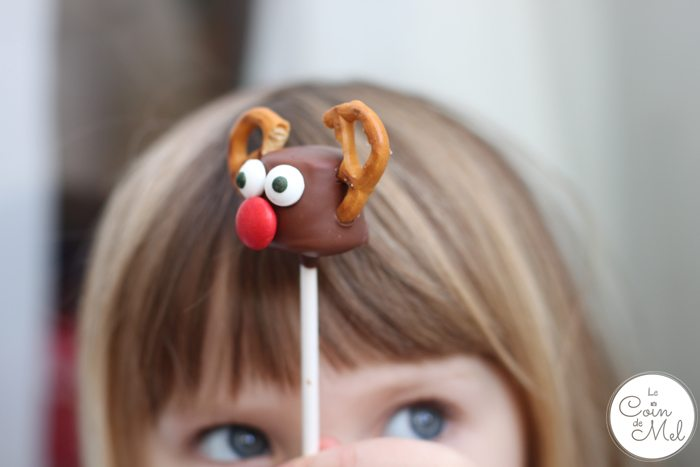Marshmallow Reindeer with Beanie