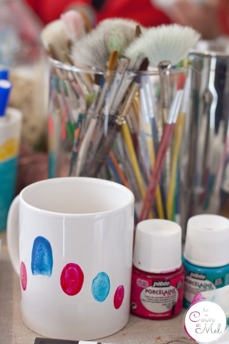 10-Minute Crafts - Make your Very Own Cheap Customised Mugs - Fingerpint Art - What you Need