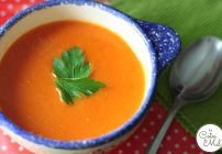 Feature my Food Friday: Introducing Claire and her Roasted Red Pepper & Tomato Soup
