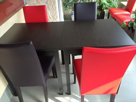 tables et chaises assortis salles bar