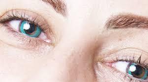 Changer la couleur de ses yeux à vie, c'est possible