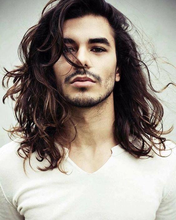 Cheveux long homme chute
