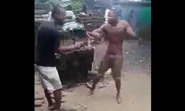 Vidéo : Un employé Punu en joie après avoir fait la main noire à son patron Chinois