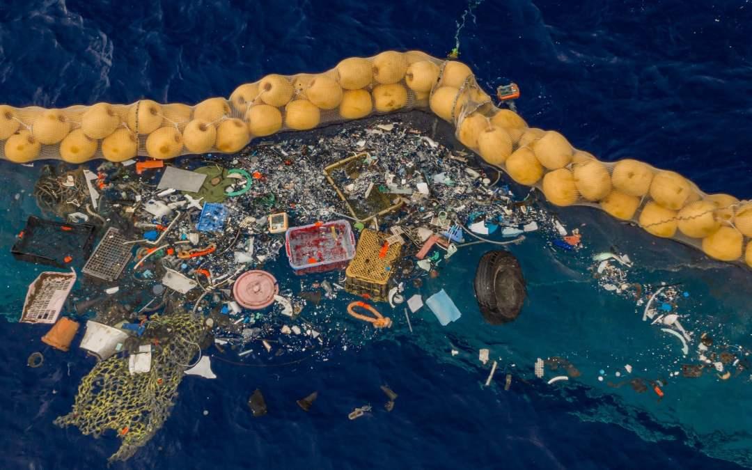 Ocean Cleanup funziona! Raccolti i primi rifiuti dal Pacifico