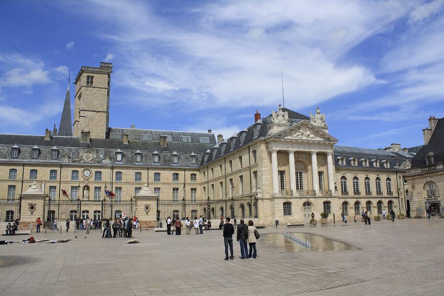 La ville de Dijon  Arts et Voyages