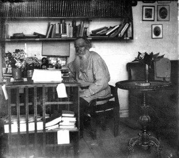 Lev Tolstói, mucho más allá de la indignación