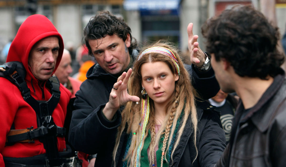 """Julio Medem, acompañado de Manuela Vellés , en el rodaje de """"Caótica Ana"""" (2007). Fotografía © Diego López Calvín"""