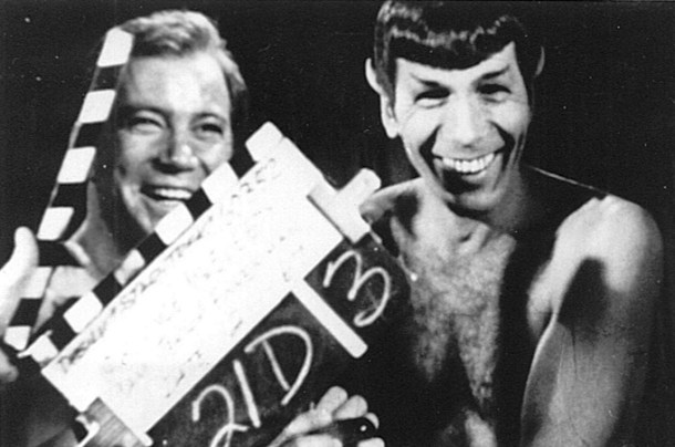 El capitán de la nave estelar USS Enteprise, Kirk, y su oficial científico, Spock (William Shatner y Leonard Nimoy).