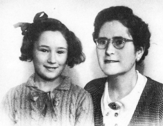 Federica montseny con su hija primogénita, Vida